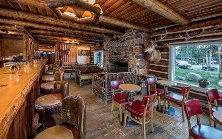Redfish Lake Lodge Lounge